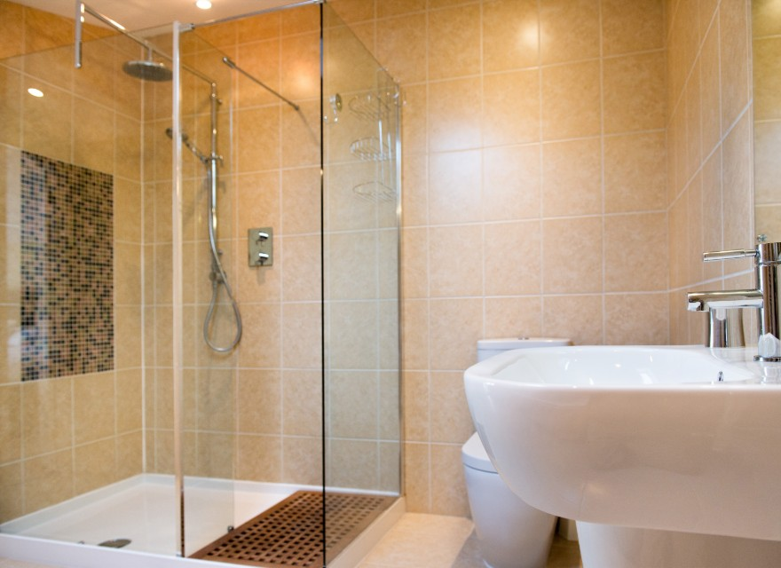 The Stables shower room - Holiday Cottage with pool in Bude, North Cornwall