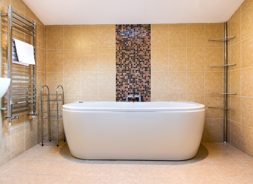 The Stables bathroom - Holiday Cottage with pool in Bude, North Cornwall