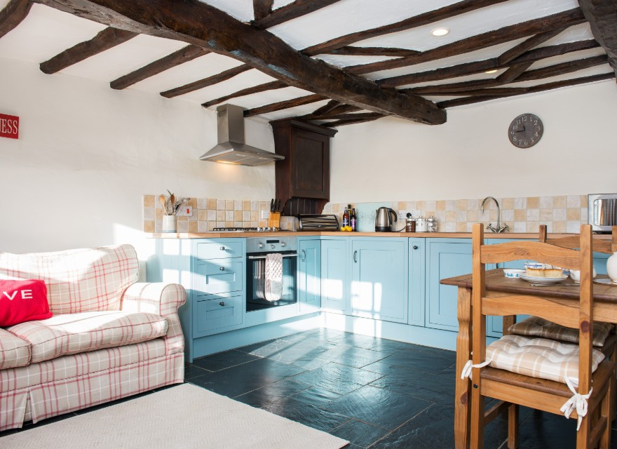 The Coach House open plan kitchen - holiday cottage for 2 with pool in Bude, North Cornwall