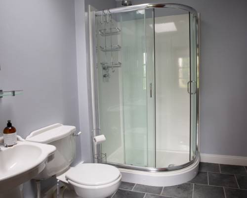 Bluebell Cottage shower room  - holiday cottage sleeps 10 in Bude