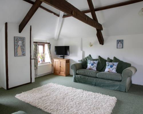 Bluebell Cottage annex bedroom with en-suite bathroom  - holiday cottage sleeps 10 in Bude