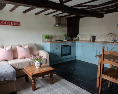 The Coach House living room - holiday cottage for 2 with pool in Bude, North Cornwall