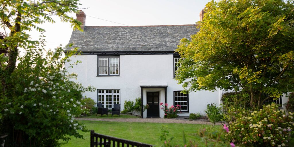 Woodlands Manor House, holiday cottage with pool Bude
