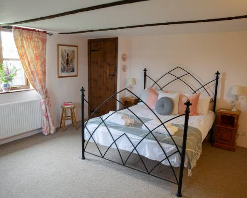 Rose Cottage Shower Room - holiday cottage sleeps 8 in Bude, Cornwall