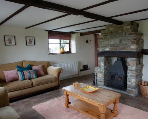 Rose Cottage Kitchen - holiday cottage with heated pool in Bude, Cornwall