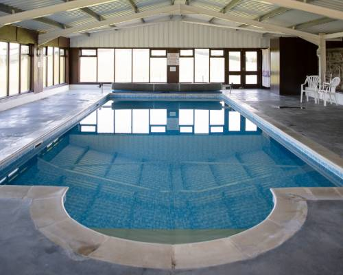 The Coach House - holiday cottage for 2 with pool in Bude, North Cornwall